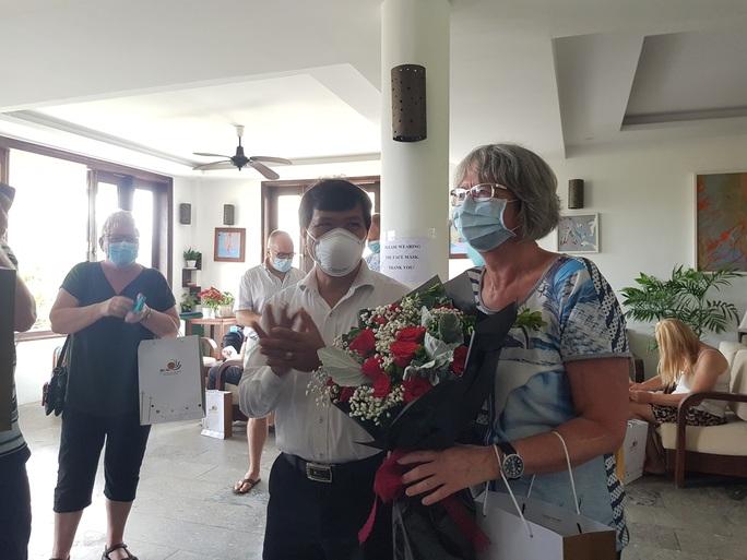 Hết cách ly, nhiều khách nước ngoài nói sẽ trở lại Quảng Nam - Ảnh 1.
