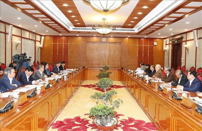 Tổng Bí thư, Chủ tịch nước chủ trì họp Bộ Chính trị về công tác phòng, chống dịch Covid-19 - Ảnh 3.