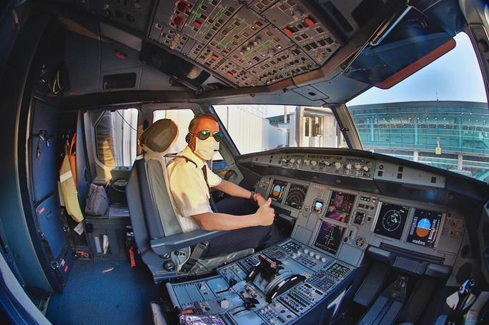 Phi công Vietnam Airlines bay 2 chuyến HN-TP HCM trước khi phát bệnh Covid-19 - Ảnh 1.