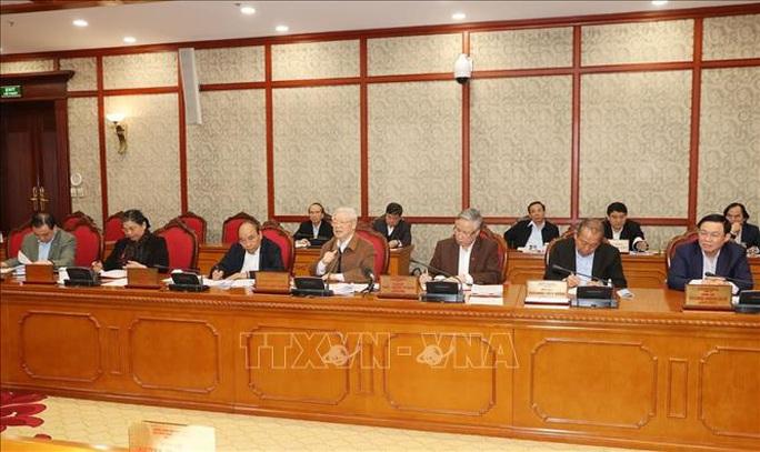 Tổng Bí thư, Chủ tịch nước chủ trì họp Bộ Chính trị về công tác phòng, chống dịch Covid-19 - Ảnh 4.