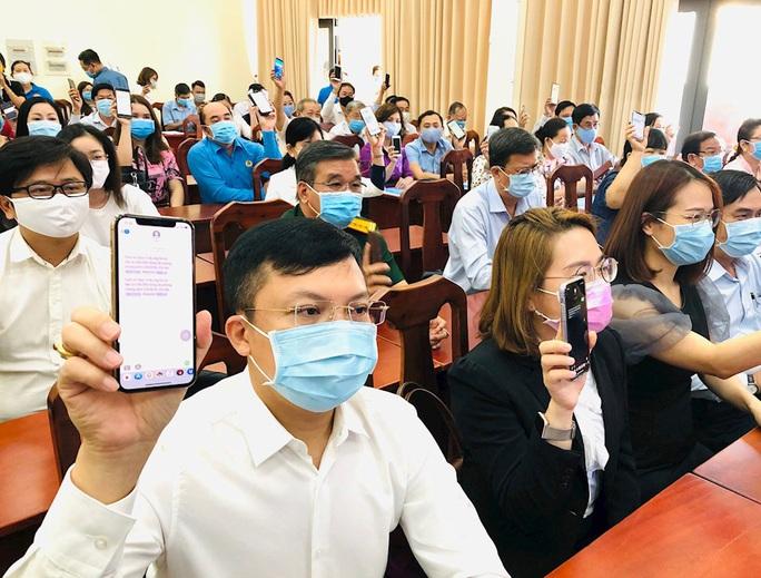 Chung tay chống dịch Covid-19: Người dân TP HCM ủng hộ gần 61 tỉ đồng - Ảnh 4.