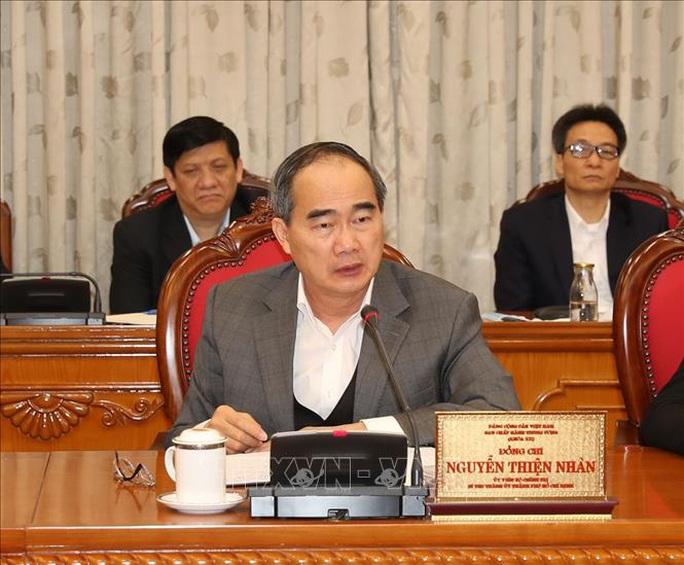 Tổng Bí thư, Chủ tịch nước chủ trì họp Bộ Chính trị về công tác phòng, chống dịch Covid-19 - Ảnh 9.
