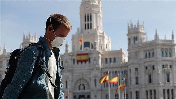 Covid-19: Số ca nhiễm tại Tây Ban Nha tăng vọt trong một ngày - Ảnh 1.