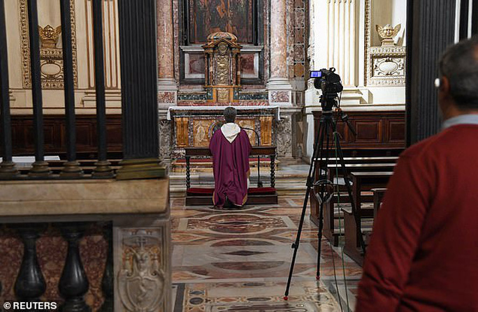 Ý: Đi thăm bệnh nhân Covid-19, ít nhất 18 linh mục tử vong - Ảnh 1.
