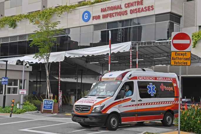 Covid-19: Singapore xác nhận 2 ca tử vong đầu tiên - Ảnh 1.