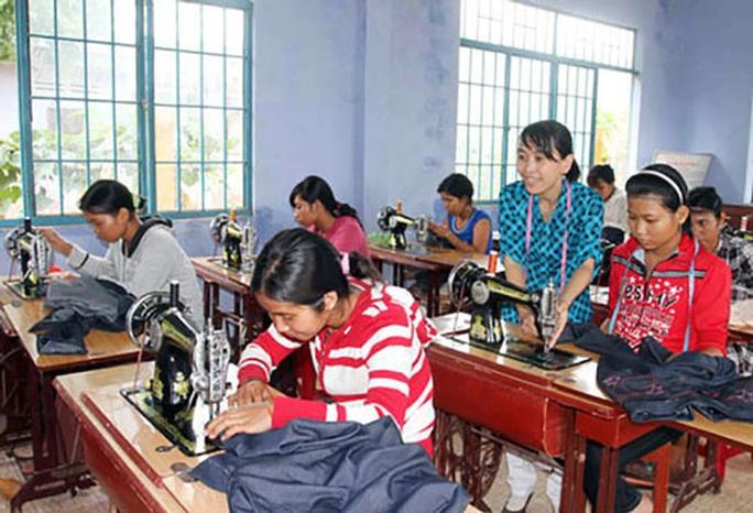 Tập trung đào tạo nghề cho lao động nông thôn - Ảnh 1.
