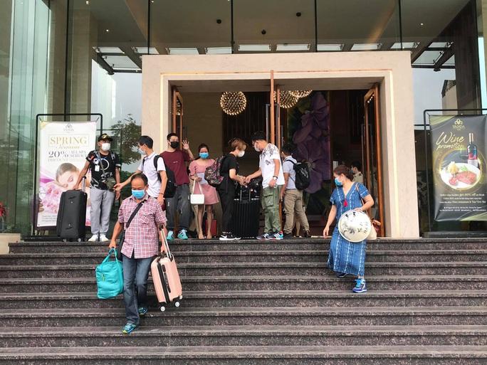 Du khách nước ngoài rời khu cách ly ở Đà Nẵng nói gì?  - Ảnh 5.