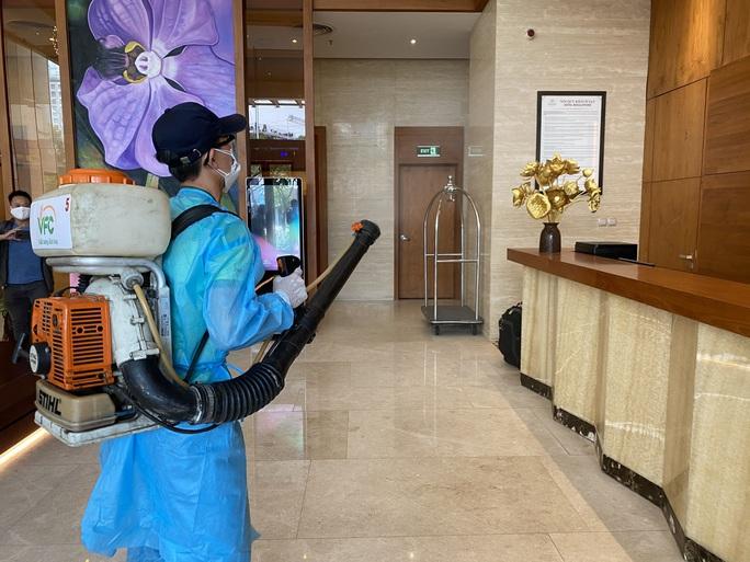 Du khách nước ngoài rời khu cách ly ở Đà Nẵng nói gì?  - Ảnh 9.