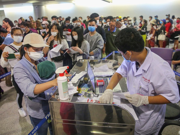Thêm 7 ca mới, số bệnh nhân Covid-19 ở Việt Nam  vượt con số 100 - Ảnh 1.