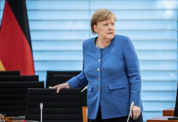 Covid-19: Thủ tướng Đức tự cách ly, Ý có thêm 651 ca tử vong - Ảnh 1.