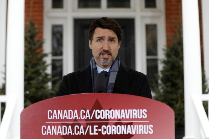 """Covid-19: Dân không nghe lời, ông Trudeau chơi """"rắn"""" - Ảnh 1."""