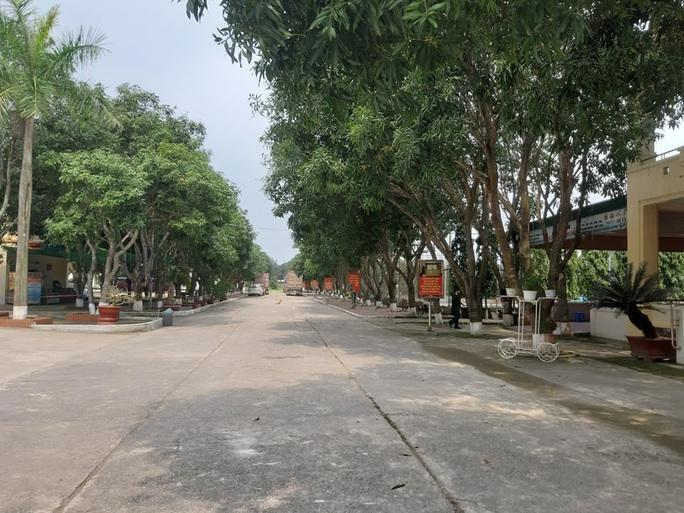 CLIP: Bên trong khu cách ly dịch Covid-19 của hơn 400 người trở về từ Lào, Thái Lan - Ảnh 13.