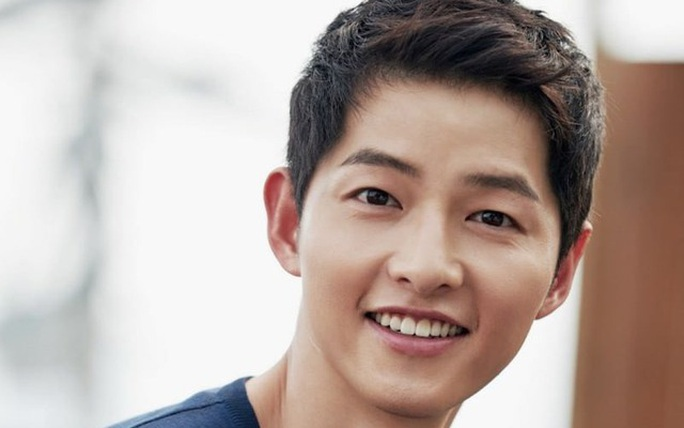 Trở về từ Colombia, Song Joong-ki tự cách ly - Ảnh 1.