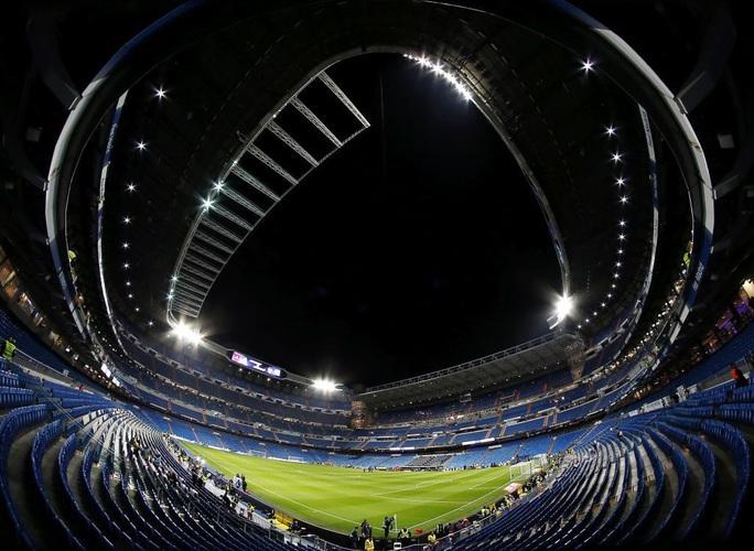 La Liga hoãn vô thời hạn, Barcelona và Real Madrid ngẩn ngơ - Ảnh 3.
