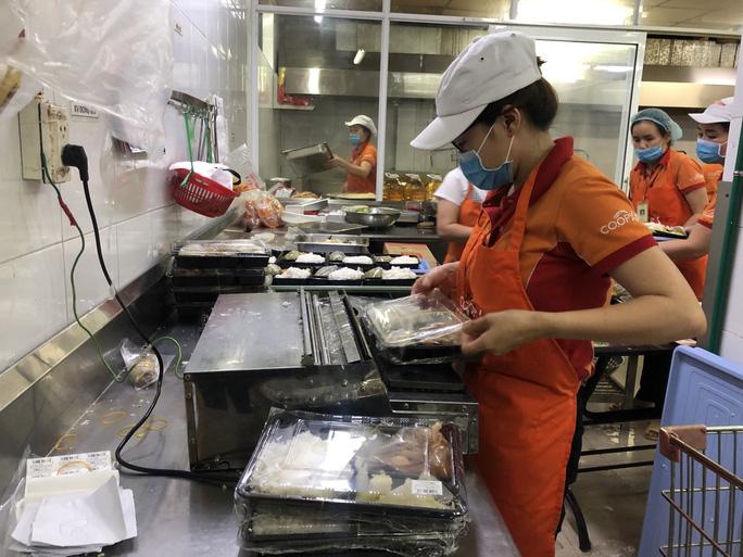 TP HCM lên kịch bản cung cấp thực phẩm khi 500 người nhiễm bệnh, 40.000 người phải cách ly - Ảnh 1.