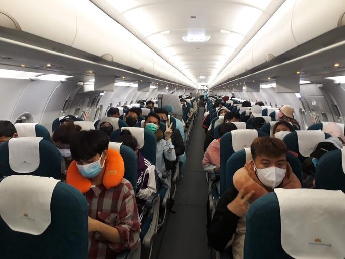 Người Việt ở Mỹ đăng ký nhu cầu về nước theo chuyến bay thương mại - Ảnh 1.