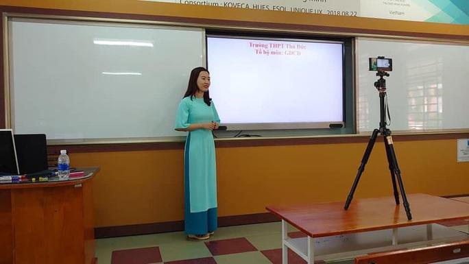 Covid-19: UBND TP HCM đồng ý tổ chức dạy học trên truyền hình - Ảnh 1.