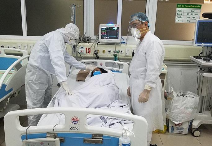 Thêm 7 ca Covid-19 mới, trong đó có 1 bác sĩ lây nhiễm khi điều trị cho bệnh nhân - Ảnh 1.