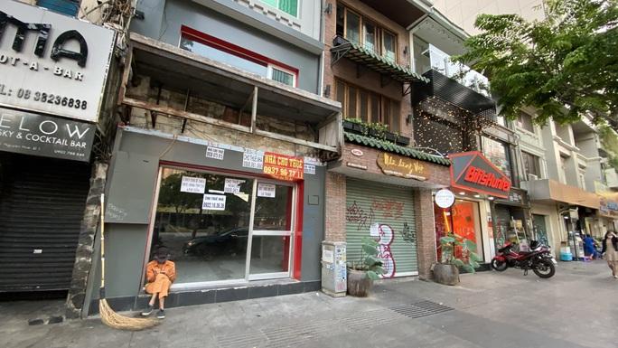 Nhà hàng, quán ăn, hớt tóc... ở TP HCM không đóng cửa phòng dịch Covid-19, phạt ra sao? - Ảnh 2.