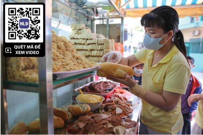 Bánh mì Sài Gòn thăng hoa - Ảnh 1.