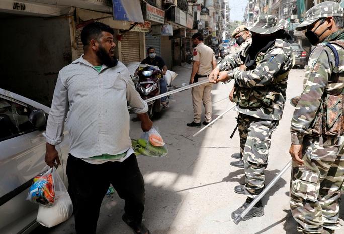Covid-19: Ấn Độ rối vì lệnh phong tỏa toàn quốc - Ảnh 5.