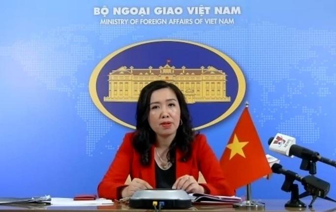 Việt Nam phản ứng việc Trung Quốc thiết lập 2 trạm nghiên cứu tại quần đảo Trường Sa - Ảnh 1.