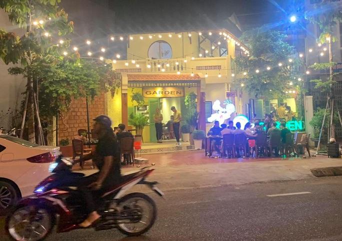 Gia Lai: Yêu cầu cơ sở kinh doanh dịch vụ tụ tập đông người đóng cửa trừ… quán nhậu, cà phê - Ảnh 2.