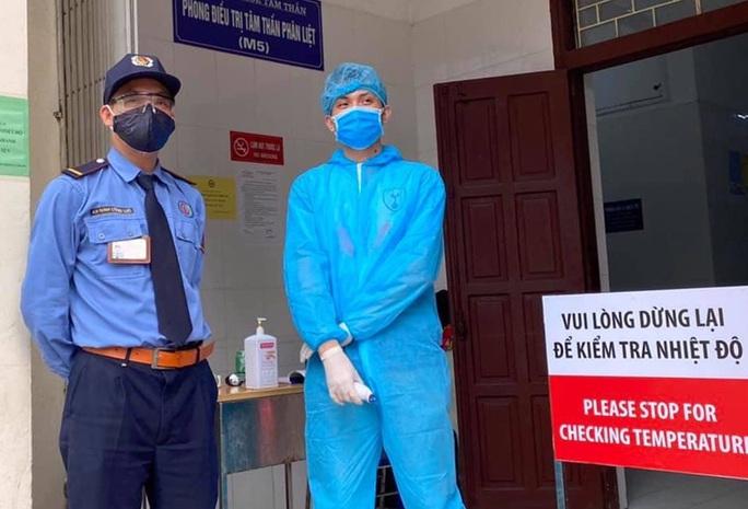 4.000 nhân viên phải xét nghiệm, lập tổ công tác phòng Covid-19 ở Bệnh viện Bạch Mai - Ảnh 2.