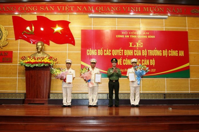 Công an Quảng Bình điều động và bổ nhiệm 7 cán bộ, lãnh đạo chủ chốt - Ảnh 2.