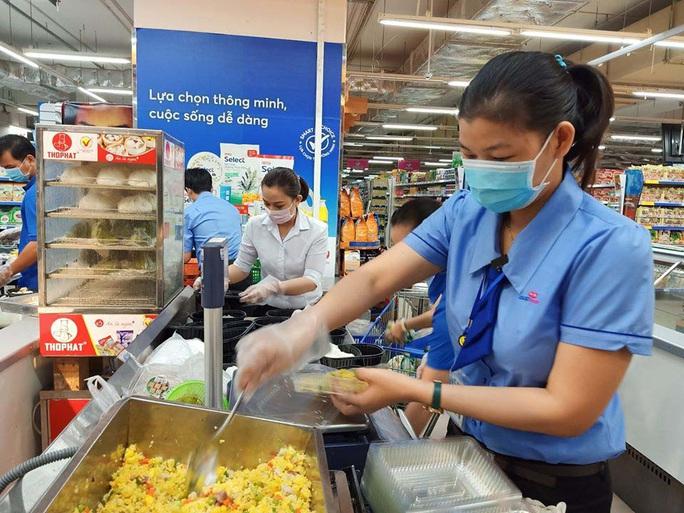Saigon Co.op cung cấp hơn 30.000 suất ăn cho khu vực cách ly - Ảnh 1.
