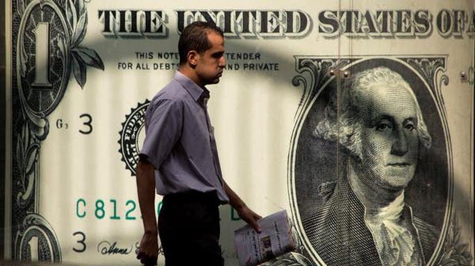 """Covid-19: Mỹ """"bốc hơi"""" 500.000 triệu phú - Ảnh 1."""