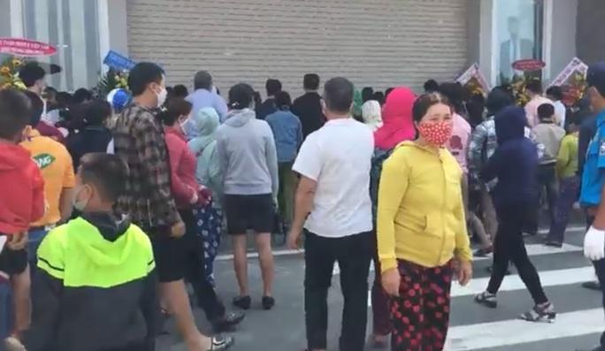 Siêu thị Big C Go Quảng Ngãi tạm dừng hoạt động, sau sự kiện khai trương tụ tập đông người - Ảnh 2.