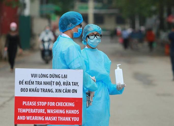 Bộ Y tế kêu gọi người dân đến Bệnh viện Bạch Mai trong 16 ngày qua liên lạc ngay y tế - Ảnh 1.