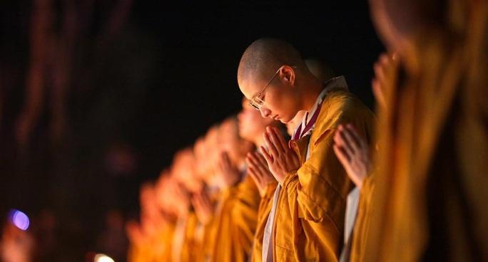 Giáo hội Phật giáo Việt Nam yêu cầu tăng ni cả nước cấm túc tại chùa vì dịch Covid-19 - Ảnh 1.