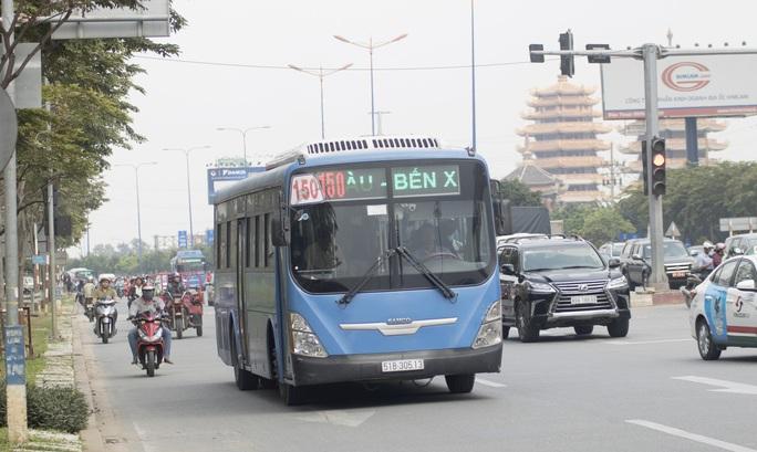 Covid-19: Taxi, xe như Grab không được bật máy lạnh khi chở khách - Ảnh 1.