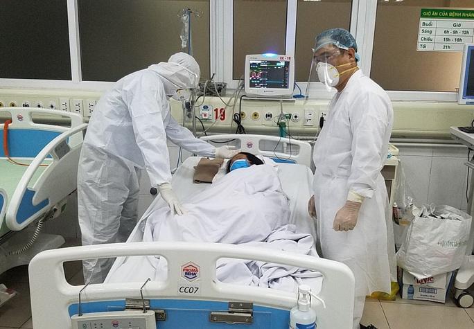 Tình trạng sức khỏe khác nhau của bệnh nhân Covid-19 số 19 và 50 - Ảnh 1.