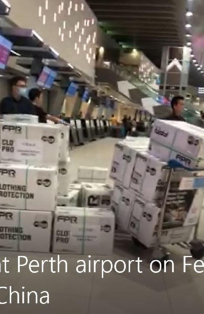 Công ty Trung Quốc âm thầm gom 90 tấn vật tư y tế khiến Úc lao đao - Ảnh 1.