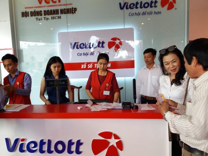 Vietlott dự kiến ngưng bán vé, xổ số kiến thiết sẵn sàng đóng cửa - Ảnh 2.