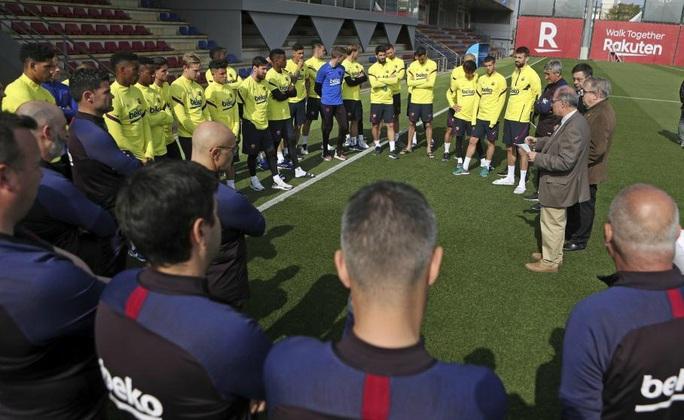 Ông trùm Barcelona sắp hầu tòa, Messi lại lâm cảnh long đong - Ảnh 4.