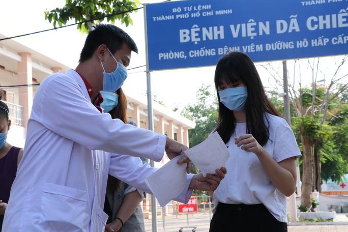 TP HCM: 4 bệnh nhân Covid-19 xuất viện - Ảnh 1.
