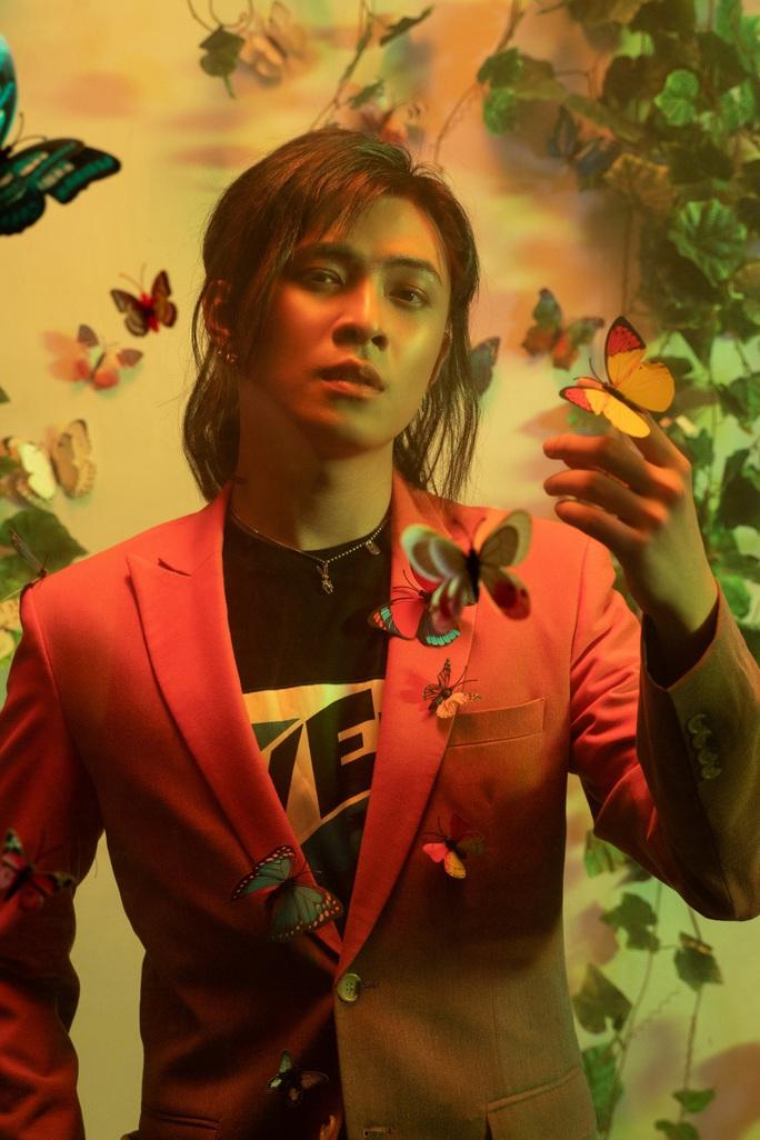 Sau tin đồn hẹn hò PuKa, Gin Tuấn Kiệt gây sốt với C-POP 90210 - Ảnh 4.