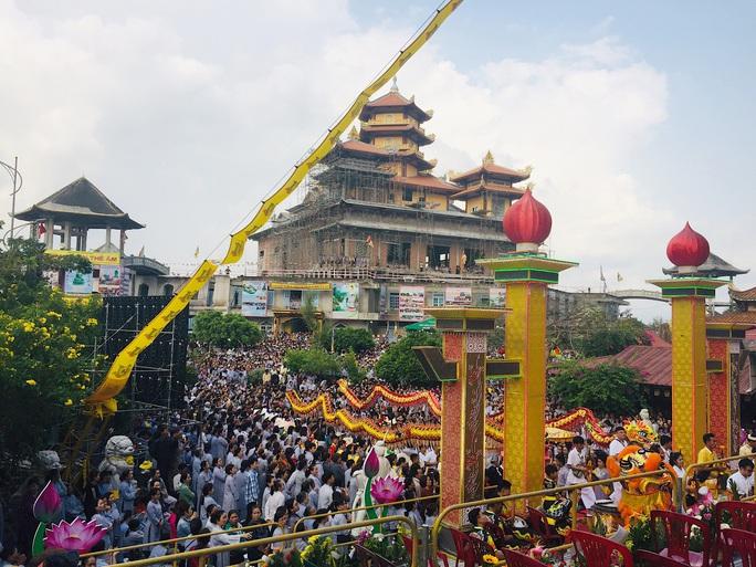 Đà Nẵng tạm ngừng tổ chức Lễ hội Quán Thế Âm để phòng dịch Covid-19 - Ảnh 1.