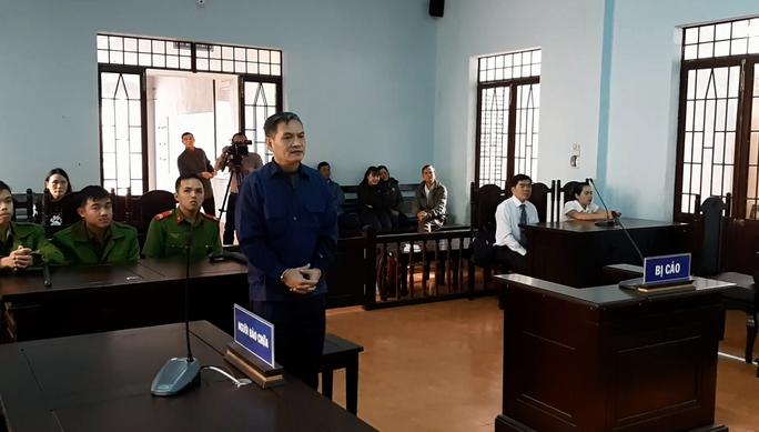 Ông chủ bị tố hiếp dâm cô gái khuyết tật: VKS không chấp nhận quyết định trả hồ sơ của tòa - Ảnh 1.
