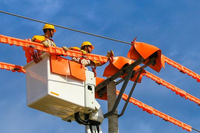 EVNCPC: Quyết liệt nhiều giải pháp tiết kiệm điện - Ảnh 1.