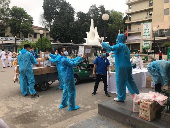 Thêm 8 ca mắc mới liên quan Bệnh viện Bạch Mai, Việt Nam có 203 bệnh nhân Covid-19 - Ảnh 1.