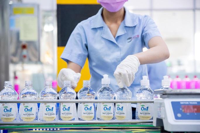 Nhà sản xuất nói gì về chất lượng sản phẩm: Gel rửa tay khô On1 - Ảnh 1.