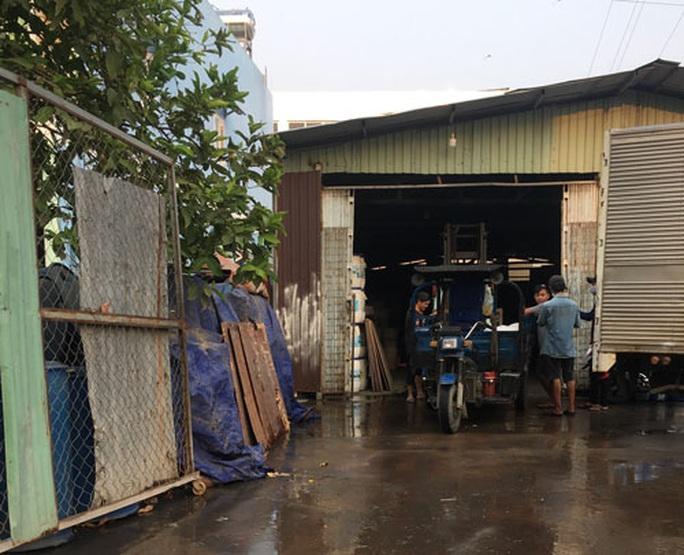 Cửa hẹp cho cơ sở sản xuất trong khu dân cư - Ảnh 1.