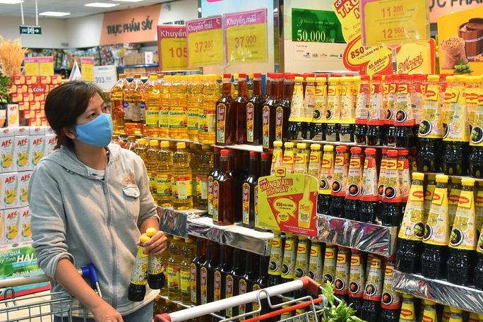 Chợ, siêu thị mở cửa bình thường từ 1-4, hàng hóa dự trữ tới 3-6 tháng - Ảnh 2.