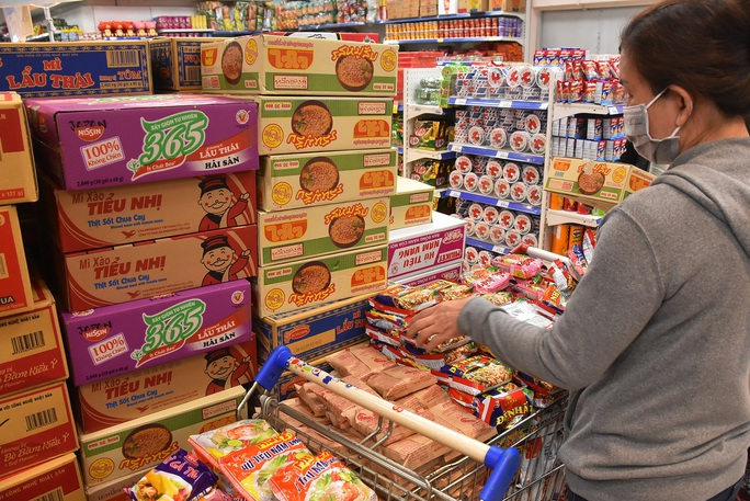 Chợ, siêu thị mở cửa bình thường từ 1-4, hàng hóa dự trữ tới 3-6 tháng - Ảnh 3.