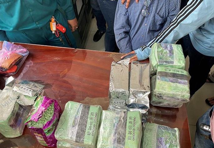 Công an TP HCM phá băng tội phạm do Huỳnh Tri Thức cầm đầu - Ảnh 1.